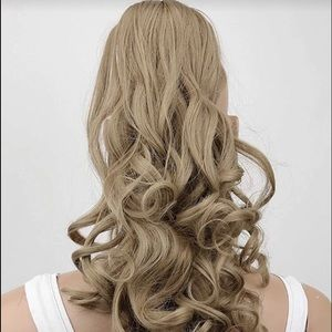 BRAND NEW! ASH BLONDE JAW CLIP PONYTAIL EXTENSION